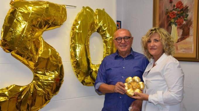 Per le nozze d'oro Daniela Magnani ha regalato ai genitori il fiore del teatro