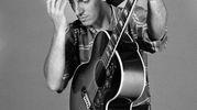 Una retrospettiva che attraverso le fotografie di Frank Stefanko, ripercorre i primi anni della carriera di uno dei cantautori e musicisti simbolo del rock americano ©Frank Stefanko
