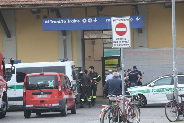 Spray al peperoncino nel sottopasso della stazione di Monza
