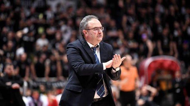 Il coach della Virtus Pino Sacripanti (LaPresse)