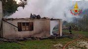 Bolognola, la casa dopo lo spegnimento dell'incendio