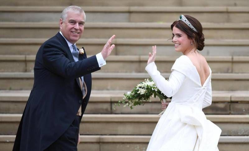 Risultati immagini per Matrimonio Eugenia di York, sì principesco. Dalla tiara di smeraldi agli scherzi del vento FOTO
