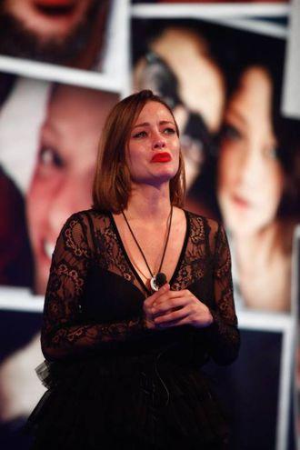 Le lacrime di Silvia Provvedi per Fabrizio Corona (foto Endemol Shine Italy)