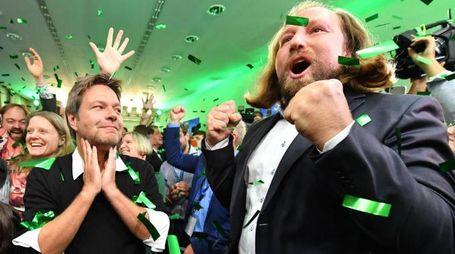 Robert Habeck e  Anton Hofreiter, leader dei Verdi (Ansa)