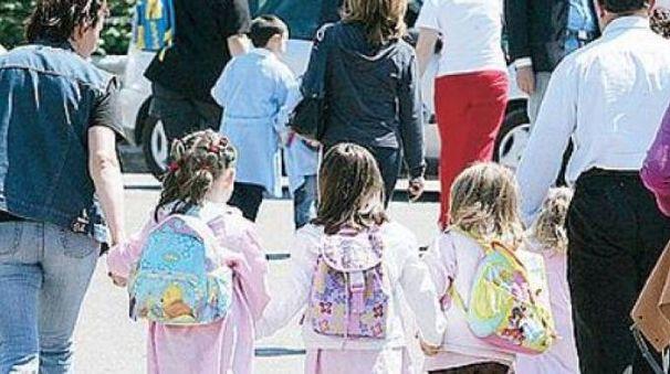 Uscita di una scuola materna (foto d'archivio)
