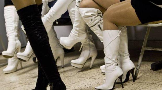 Prostitute, foto di archivio (Ansa)