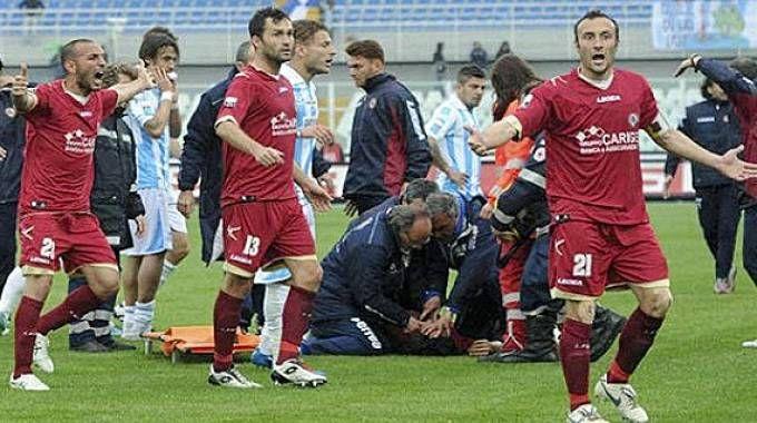 La morte di Piermario Morosini in campo a Pescara
