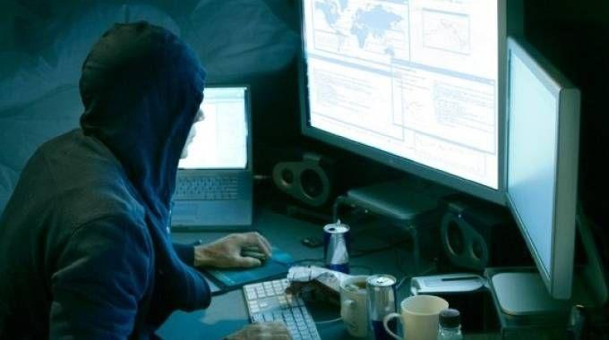 """""""Malware già nei pc: così i servizi Usa spiano banche e governi in 30 Paesi"""""""