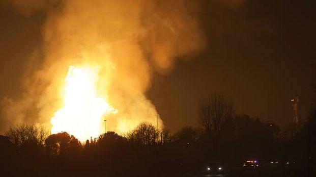 Ravenna, in fiamme la centrale di gas (Zani)