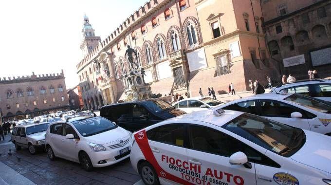 Taxi a Bologna (FotoSchicchi)
