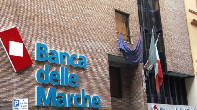 Banca Marche, operazione salvataggio in corso (foto d'archivio)