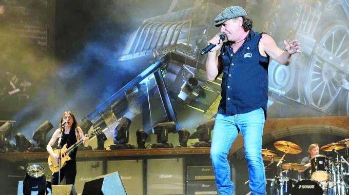 Gli Ac/Dc sul palco in uno degli ultimi concerti in Serbia (Olympia)