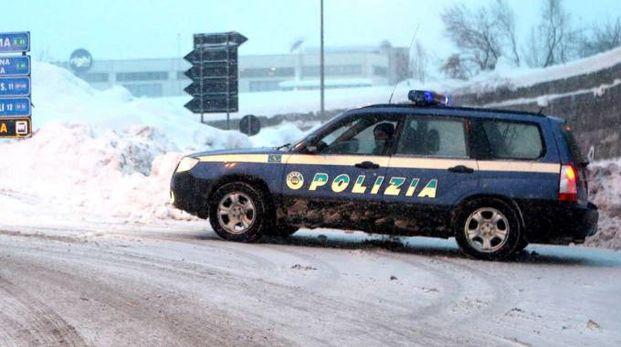 Gomme da neve, Polstrada \'fuorilegge\' - Cronaca - quotidiano.net