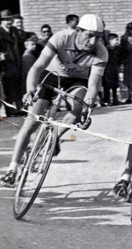 Gino Bartali, le foto delle sue imprese e della sua vita