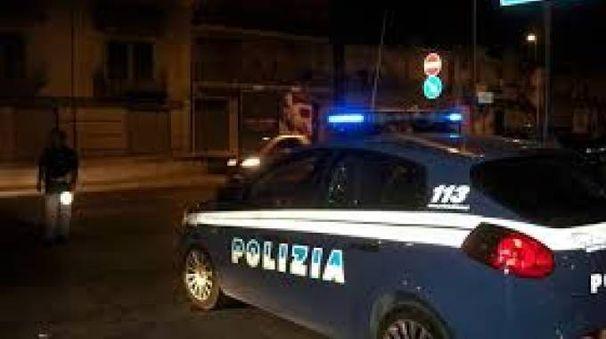 Sul posto la Volante della polizia (foto di repertorio)