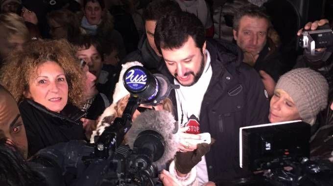 Matteo Salvini acclamato in piazza a Crema
