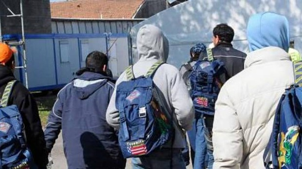 Un gruppo di profughi (Foto archivio)