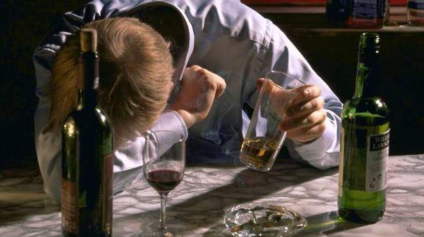 Un ubriaco (Foto di repertorio)