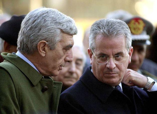 Il ministro Scajola e De Gennaro (Foto Ansa)