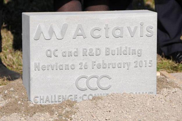 Nerviano, la posa della prima pietra del nuovo laboratorio di ricerca di Actavis (Studiosally)