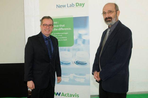Nerviano, Carlos Villalobos, presidente di Actavis, e Bogdan Oghina, amministratore delegato di Actavis Italia (Studisally)