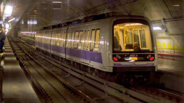 La linea lilla del metrò