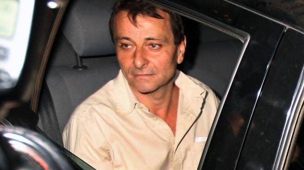 Cesare Battisti lascia il carcere di Papuda, nella periferia di Brasilia (Ansa)