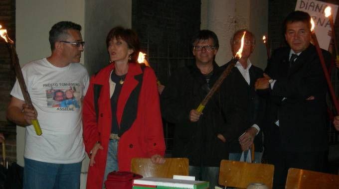 A sinistra, Angelo Ogliari, ucciso il 31 ottobre 2007, insieme alla senatrice Cinzia Fontana