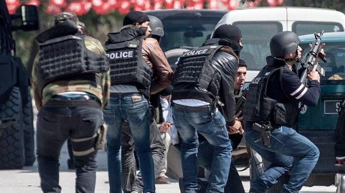 Tunisi, il blitz per liberare gli ostaggi (LaPresse)