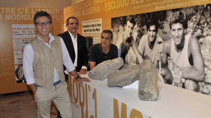 Le opere dei tre amici Francesco Ferrucci, Piero Luridiana e Michele Ghelarducci (foto Novi)