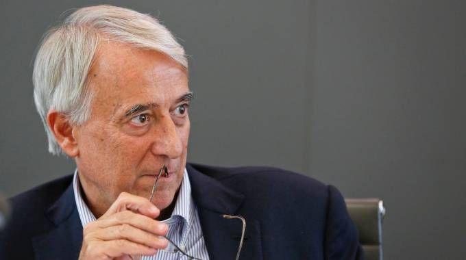 """Milano, addio del sindaco Pisapia """"Non mi ricandido. Dopo di me né Berlusconi né Salvini"""""""