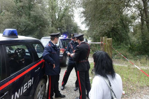 Trovato un cadavere di donna tra Torre del Lago e Vecchiano: i carabinieri sul  posto (Umicini)