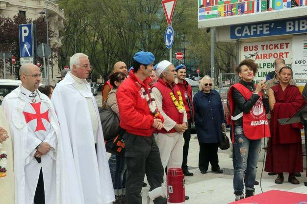Preghiera interreligiosa con i senzatetto e i City Angels