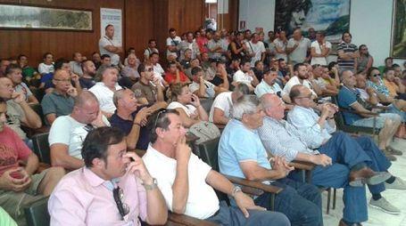 L'assemblea dei lavoratori delle cave