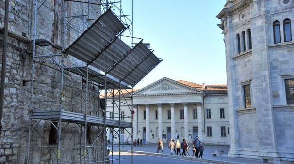 Ponteggi sulla Torre Pantera (Cusa)