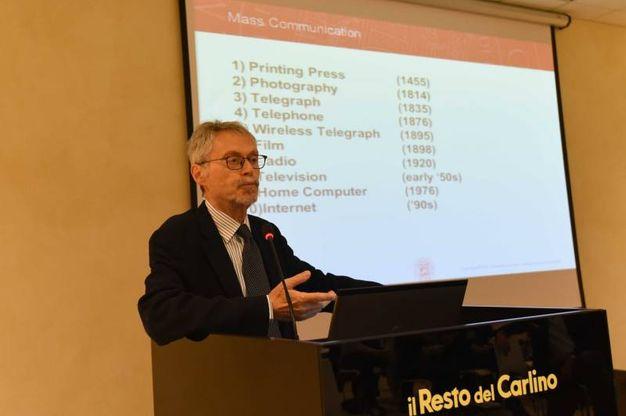 L'intervento di Roberto Grandi, docente dell'università di Bologna (foto Schicchi)