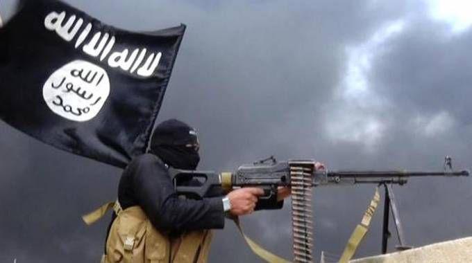 Un miliziano dell'Isis (Ansa)