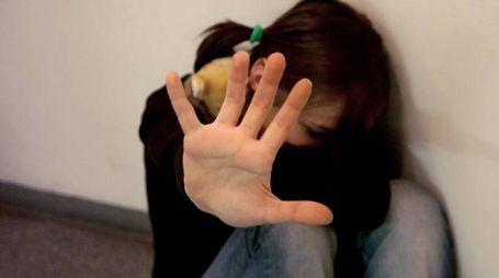 violenza sui minori (foto d'archivio)