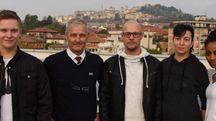 I quattro giovani svedesi con il presidente di Confartigianato Giacinto Giambellini