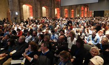 La platea della Leopolda 8 (Luca Moggi / New Press Photo)