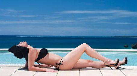 Le regole per mantenere l'abbronzatura dopo l'estate - foto Chris Willson / Alamy
