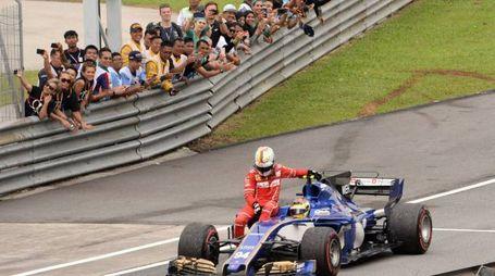 Malesia, Vettel tamponato dopo il traguardo. Caricato da Wehrlein (Afp)
