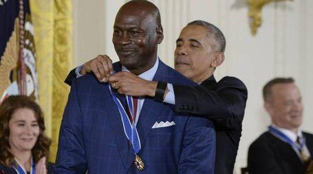 Jordan assieme all'ex presidente degli USA Obama (LaPresse)