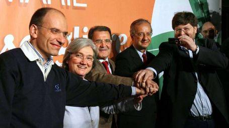 Primarie Pd 2007, Veltroni batte Rosy Bindi ed Enrico Letta