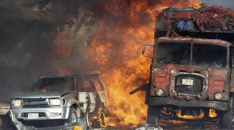 Camion bomba a Mogadiscio (Ansa)