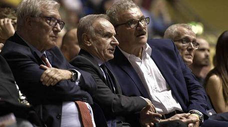 Sacchetti al fianco del presidente Petrucci (LaPresse)