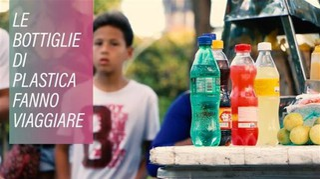 Bottiglie di plastica per pagare i mezzi pubblici