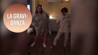 L'ostetrica che ti fa ballare la 'gravi-danza'