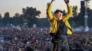 Musica: Vasco Rossi nel 2018 sarà a giugno negli stadi