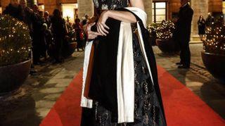 Raggi e Boschi regine del red carpet. Sfida di look alla prima dell'Opera